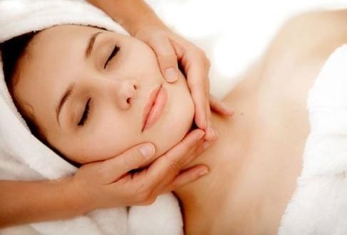 ban-da-biet-massage-cang-da-mat-dung-cach1
