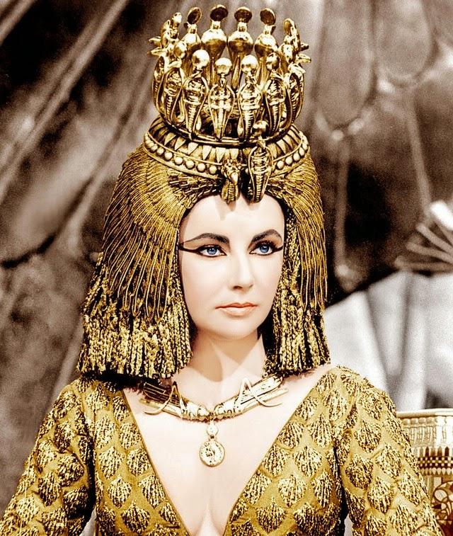 Nâng mũi sụn phủ vàng – Đẹp như nữ hoàng Ai Cập